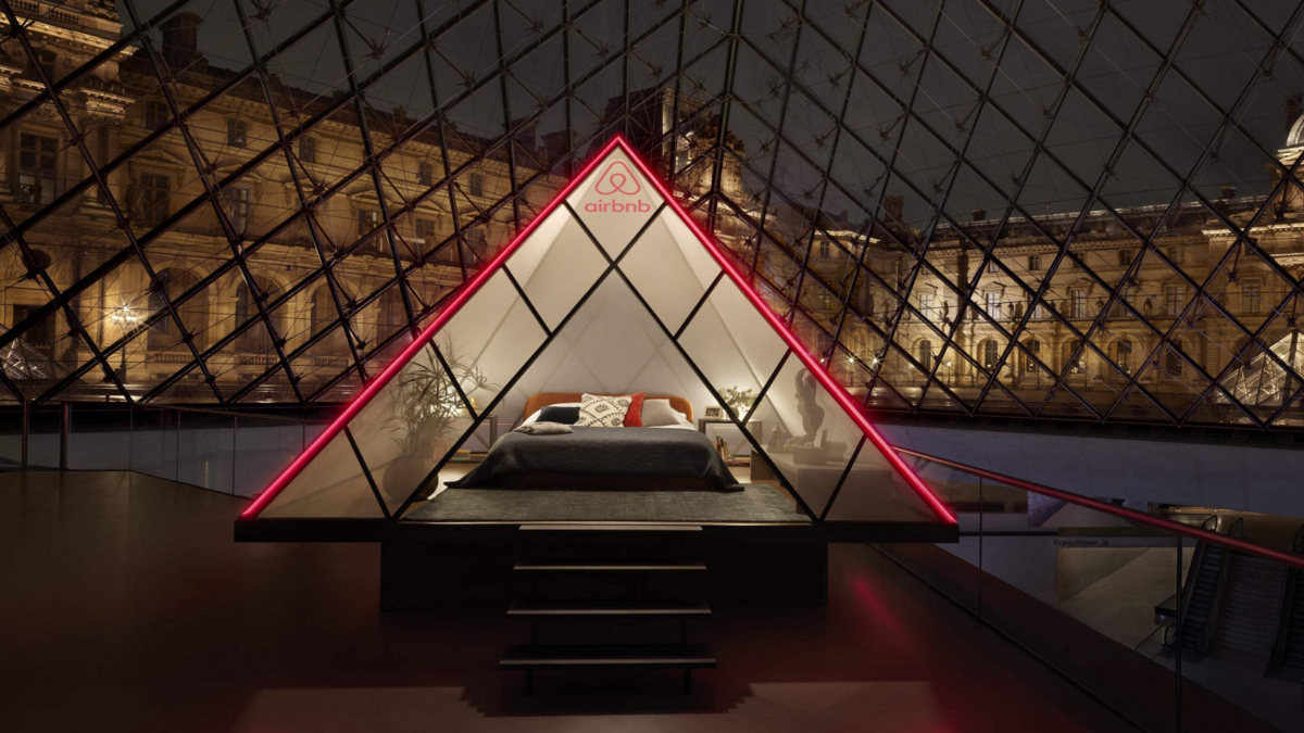Airbnb-x-Louvre.png