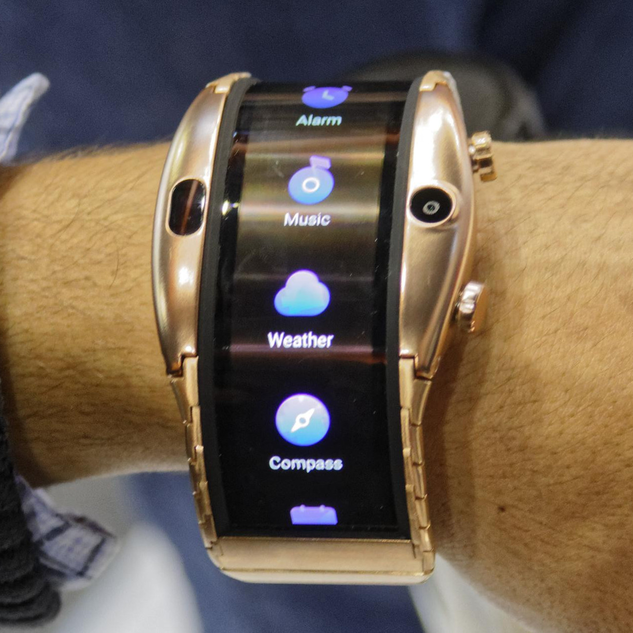 le smartphone smartwatch nubia alpha avec cran oled. Black Bedroom Furniture Sets. Home Design Ideas