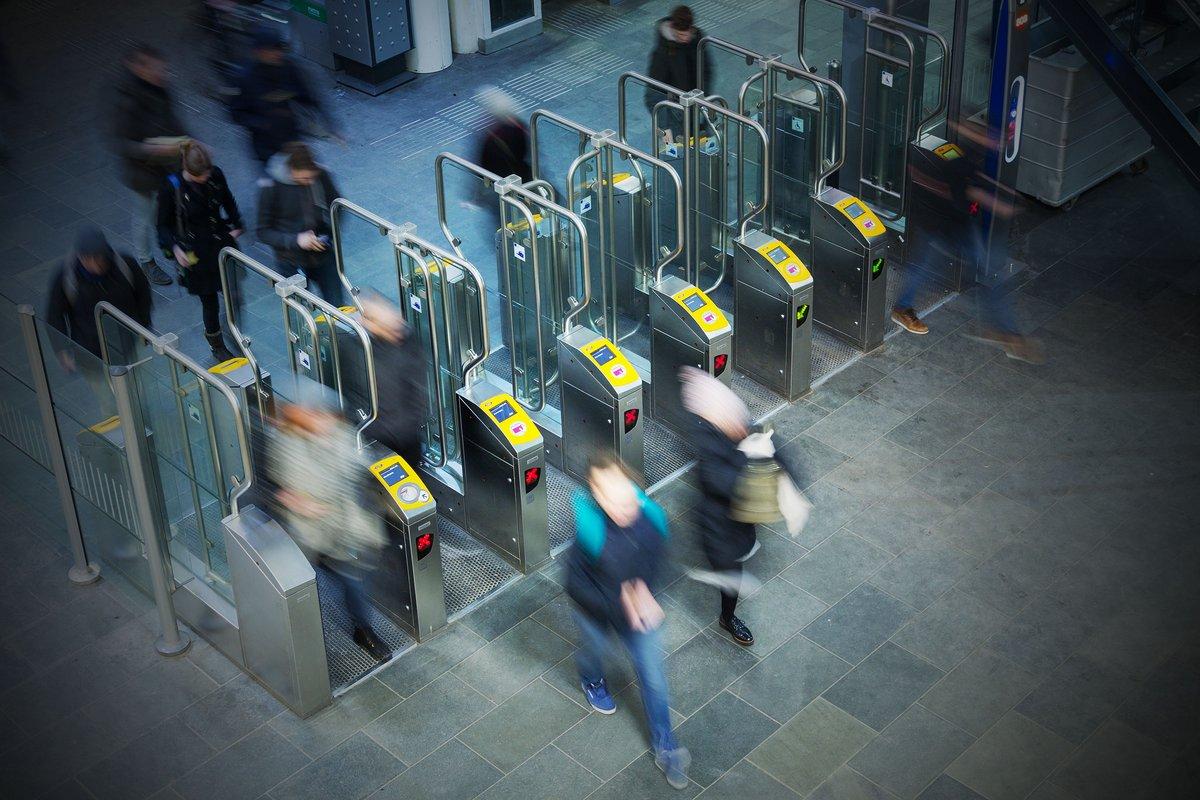 metro portique © Shutterstock.com