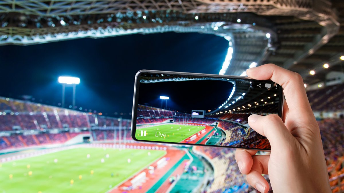 Smartphone match streaming