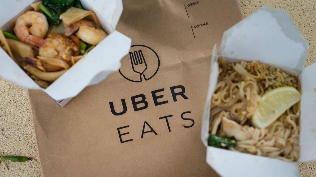 Uber Eats © GillianVann / Shutterstock.com
