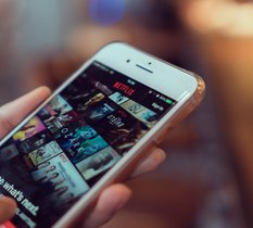 Polémique autour du minuscule impôt sur les bénéfices payé par Netflix en France en 2019