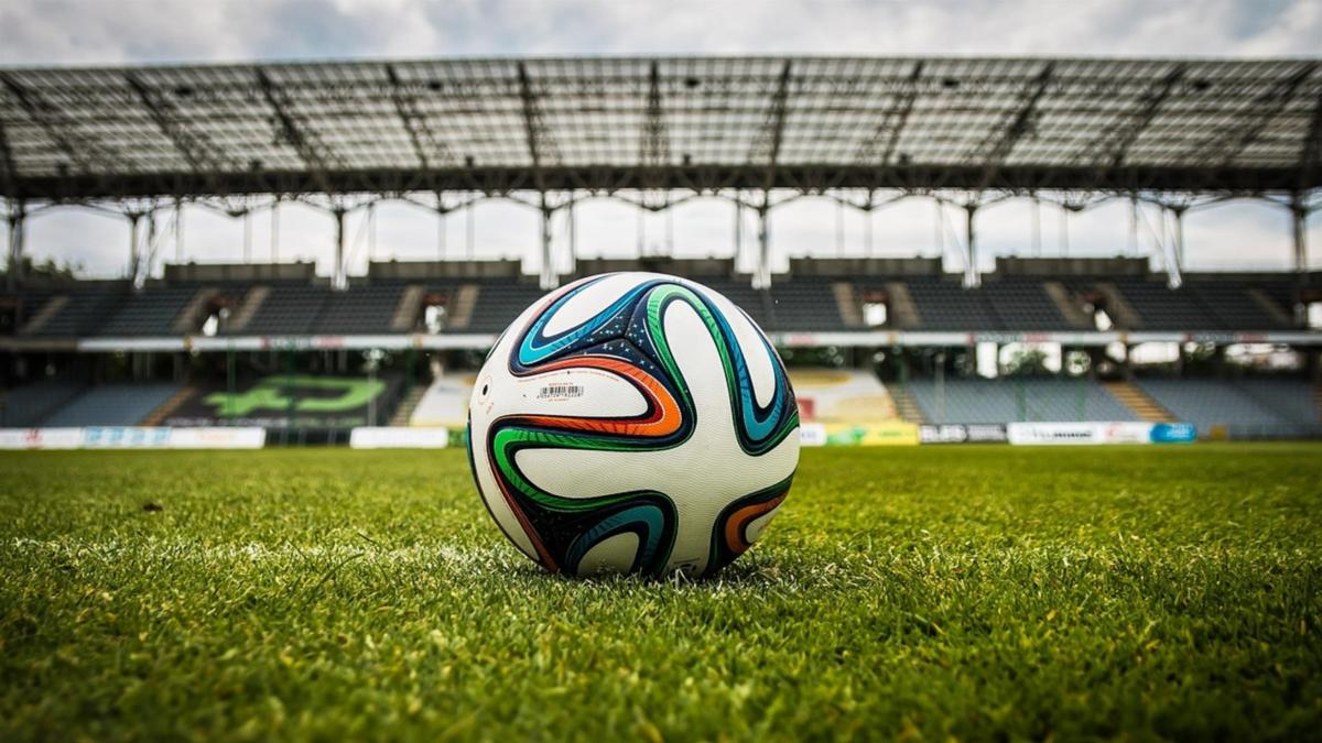 football-pixabay-CAN.png © Pixabay