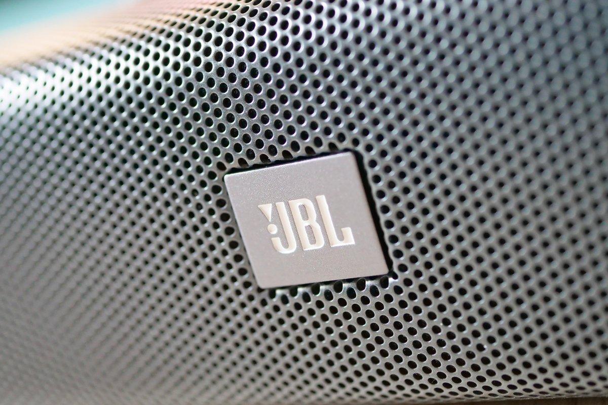 jbl-bar-studio-03-logo.jpg