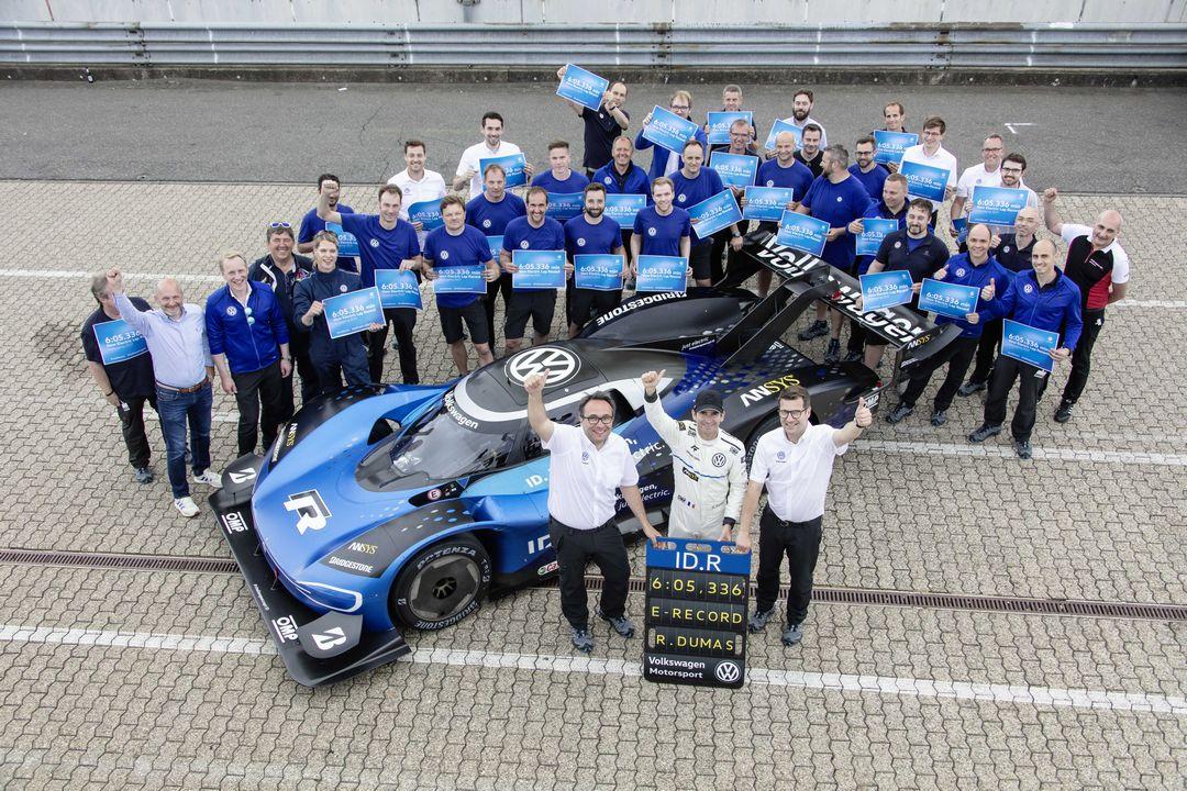 La Volkswagen ID.R élue meilleure voiture de course électrique de l'année à l'Essen Motor Show