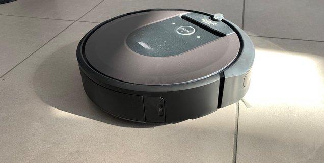 Roomba vs SharkNinja : c'est la guerre entre les constructeurs de robots aspirateurs