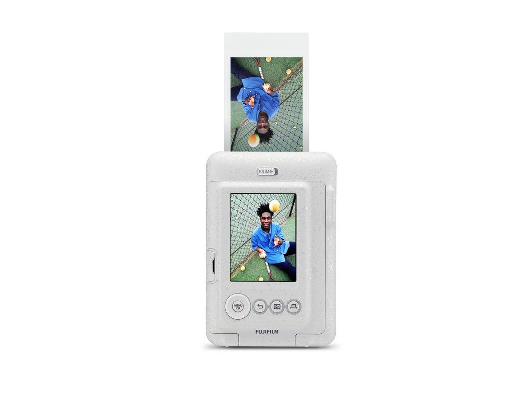 Fujifilm dévoile son Instax Mini LiPlay : petit, hybride... et qui enregistre du son !