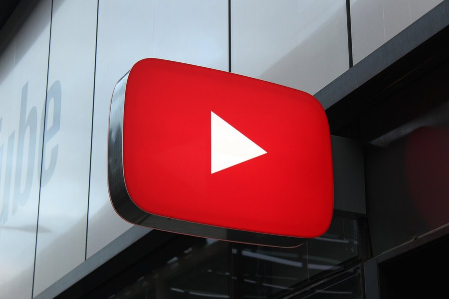 Plus de vues et plus de pub, YouTube roule sur l'or - Clubic