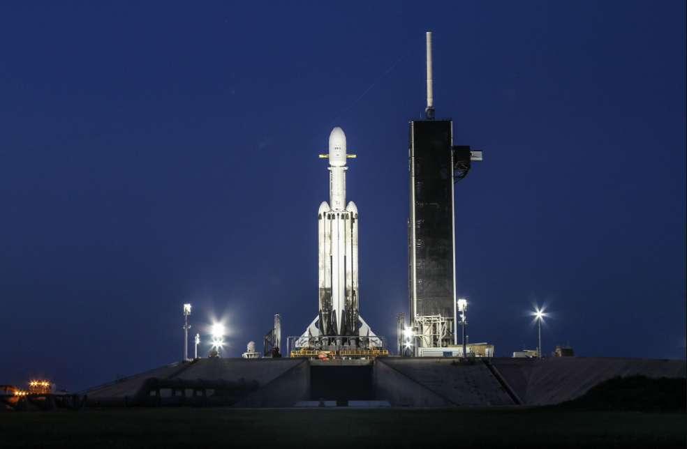 Falcon Heavy sur son pas de tir, le 24 juin 2019