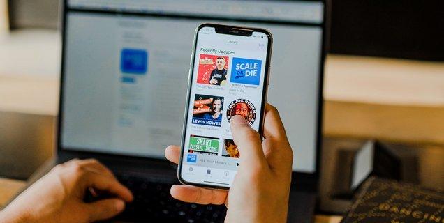 Pour couper l'herbe sous le pied de Spotify, Apple songerait à financer des podcasts exclusifs