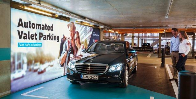 Le service de voiturier sans chauffeur de Daimler et Bosch est approuvé par les autorités