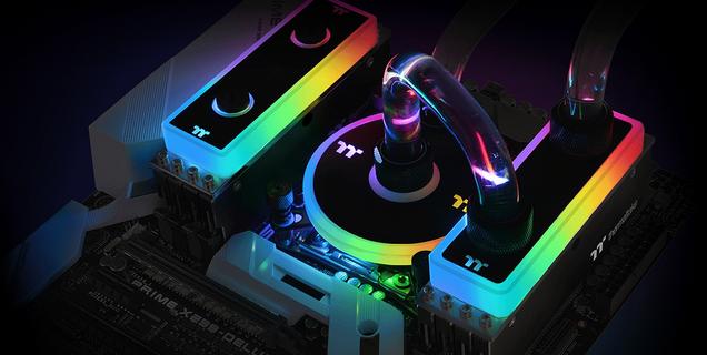 Thermaltake lance trois kits mémoire DDR4 avec refroidissement double mode air/eau RVB