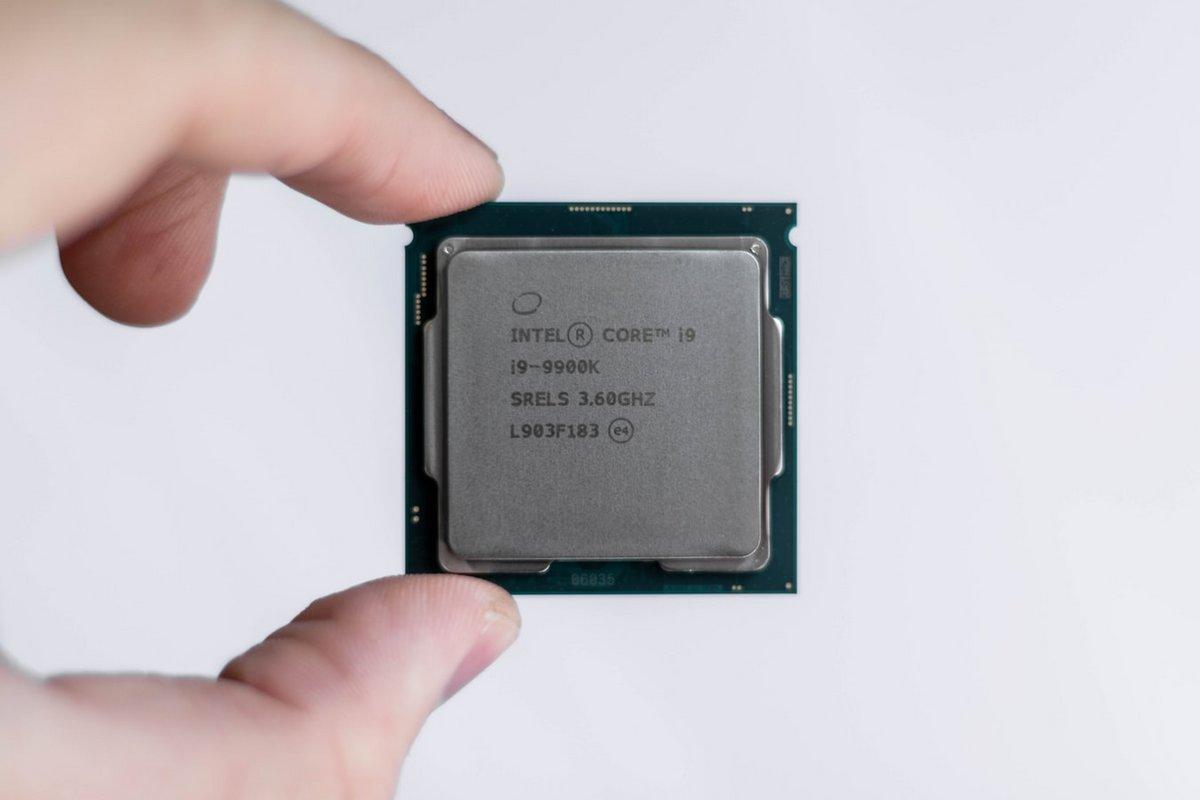 Intel-CPU-processeur.jpg