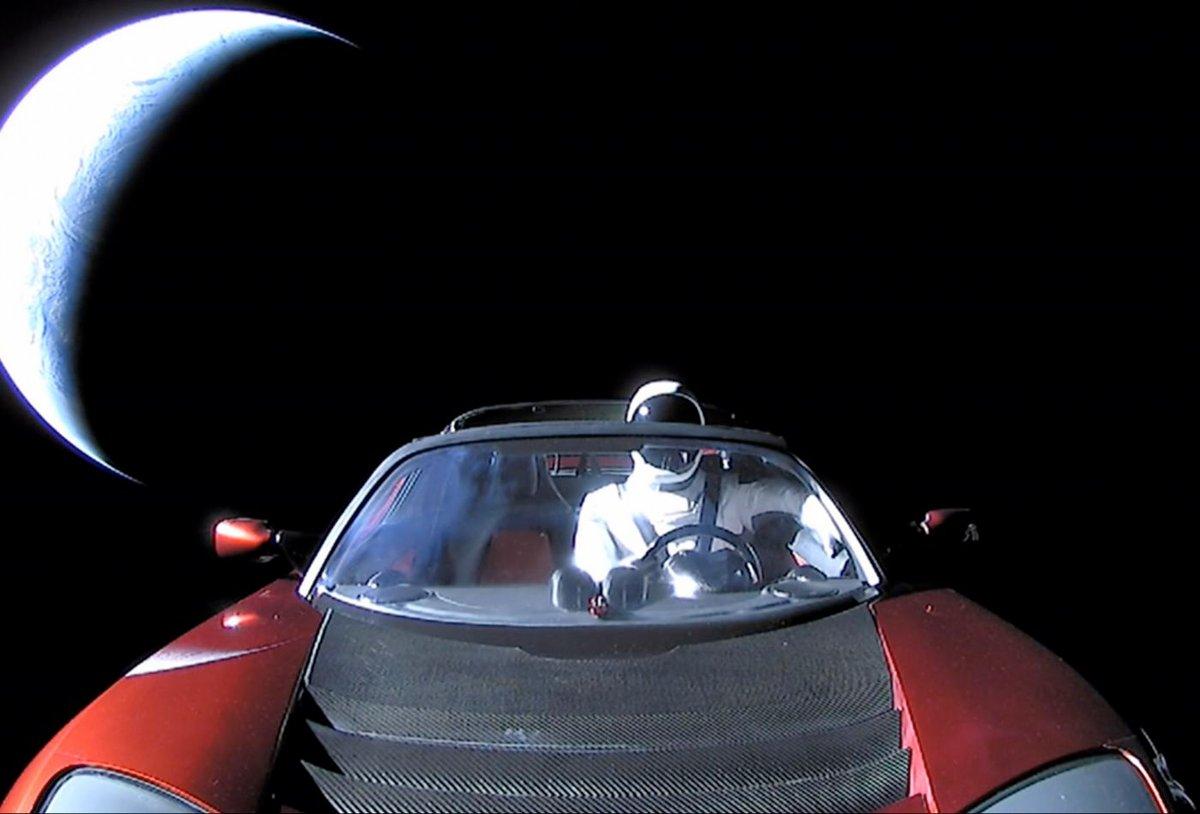 Starman Tesla Roadster © cnbc