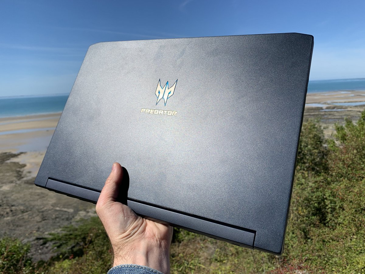 Acer Predator Triton 500IMG_2578-min.JPG