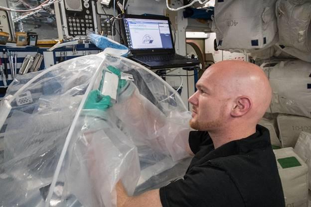ciment ISS NASA