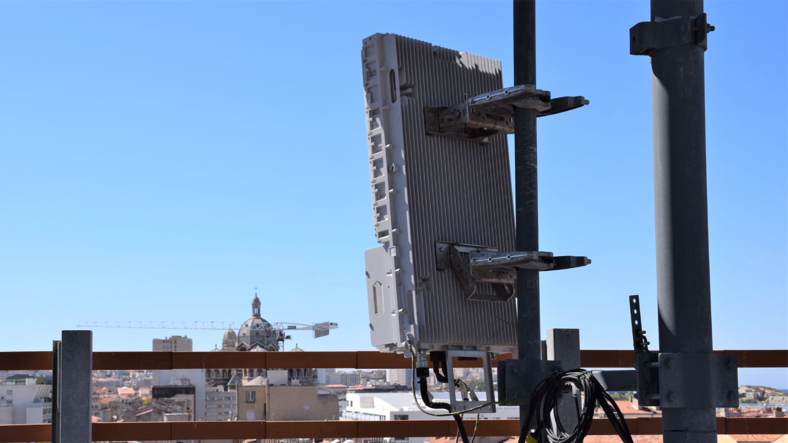 5G : les opérateurs télécoms dénoncent la lenteur de l'administration française, la faute à Huawei ?