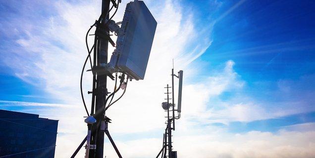 Sites 5G ouverts : Free en avance, Orange leader sur la bande de fréquences reine