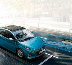 Toyota présente une nouvelle Prius dotée de panneaux solaires