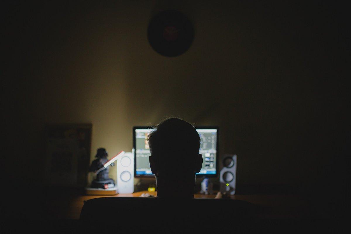 hacker © pixabay