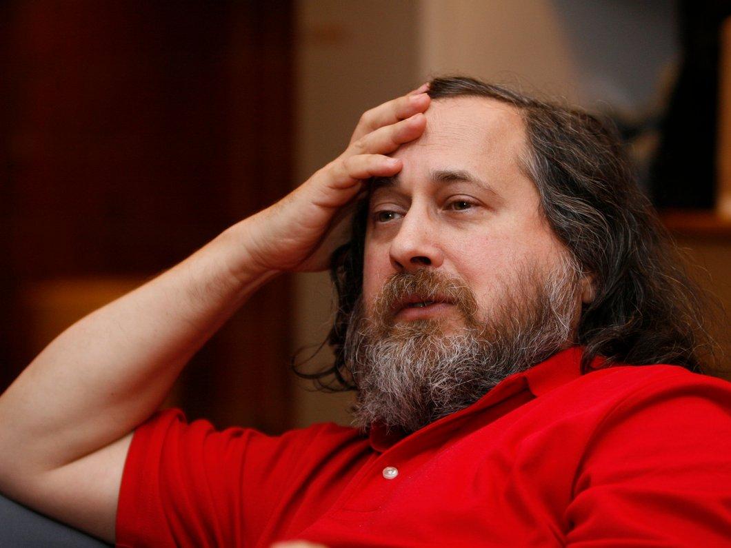 Stallman quitte la Free Software Fundation et le MIT pour avoir soutenu Jeffrey Epstein (et pas que)