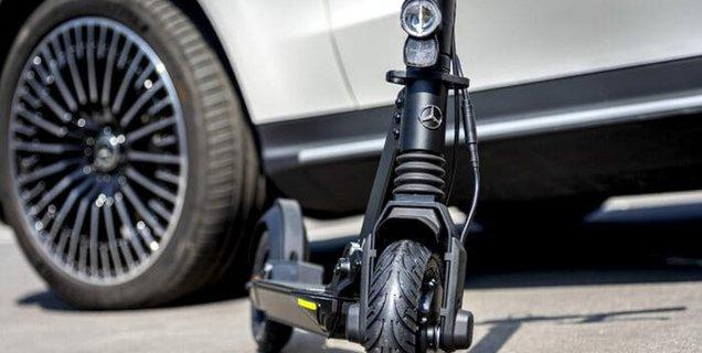 Mercedes se lance sur le marché des trottinettes électriques avec un partenaire suisse