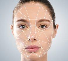 Une enquête contre Clearview AI relance les questions autour de la reconnaissance faciale