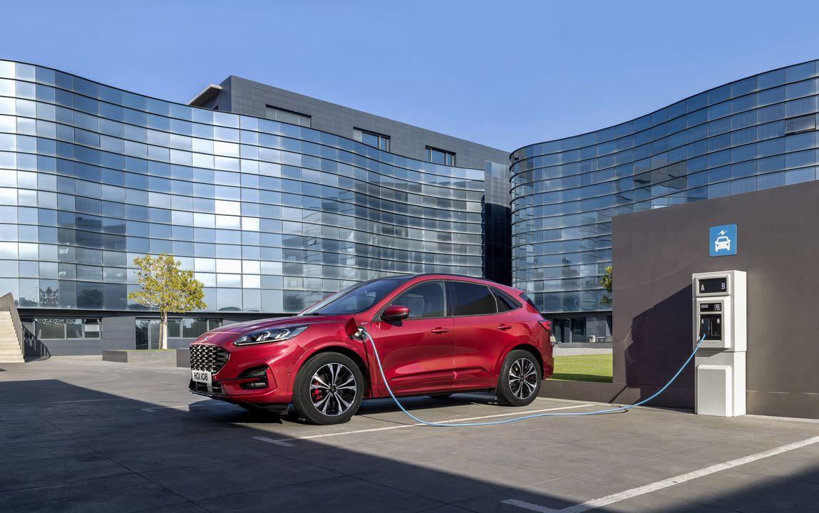 Ford dévoile en détails son SUV hybride rechargeable Ford Kuga
