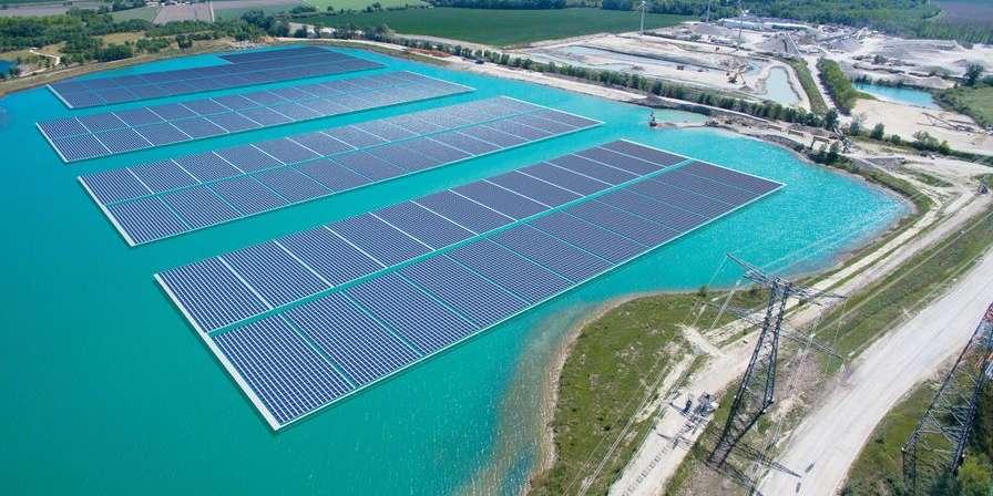 La plus grande centrale solaire flottante d'Europe ouvre dans le Vaucluse