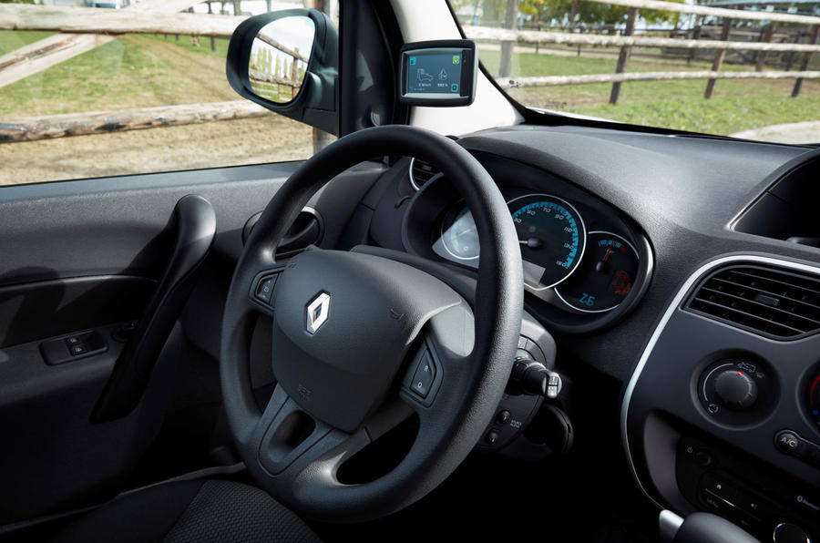 Renault Master ZE electrique volant