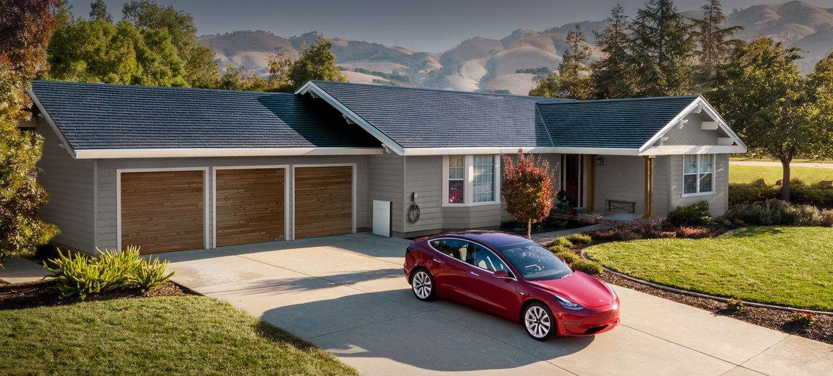 Tesla Solar Roof © Tesla