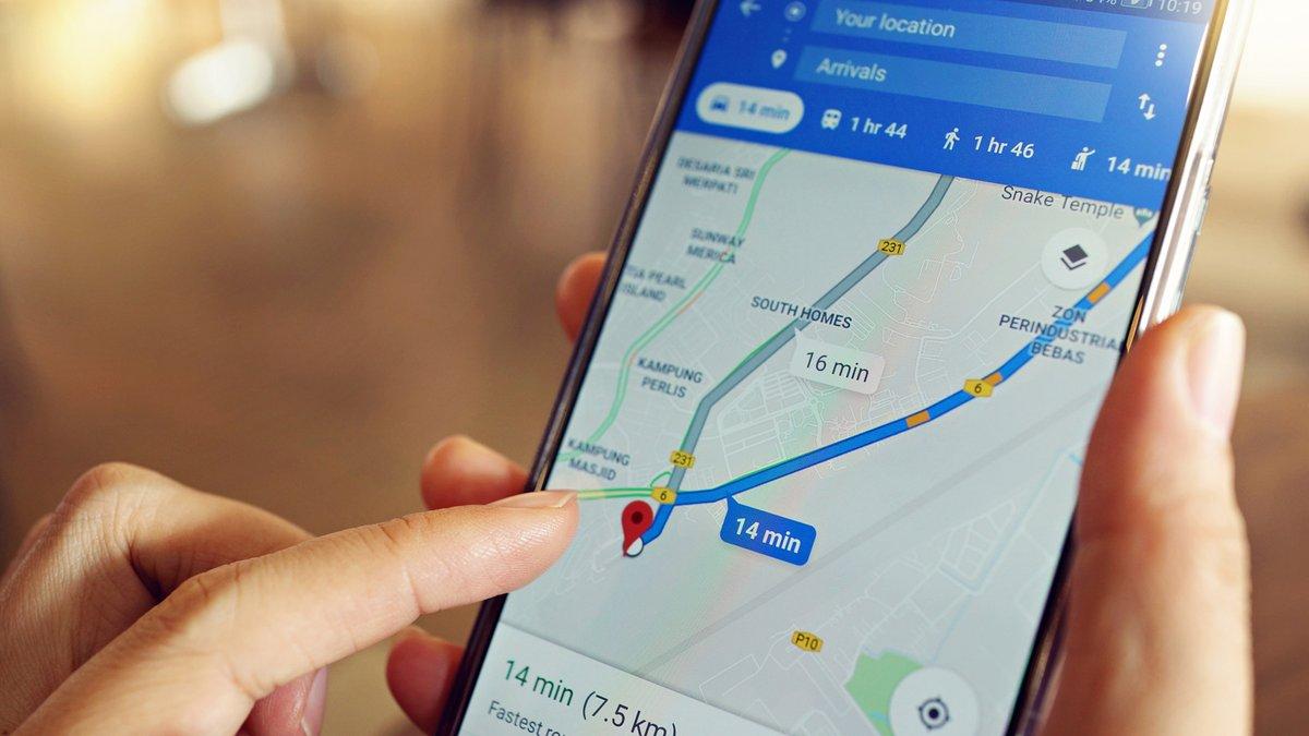 Google Maps © AngieYeoh / Shutterstock.com