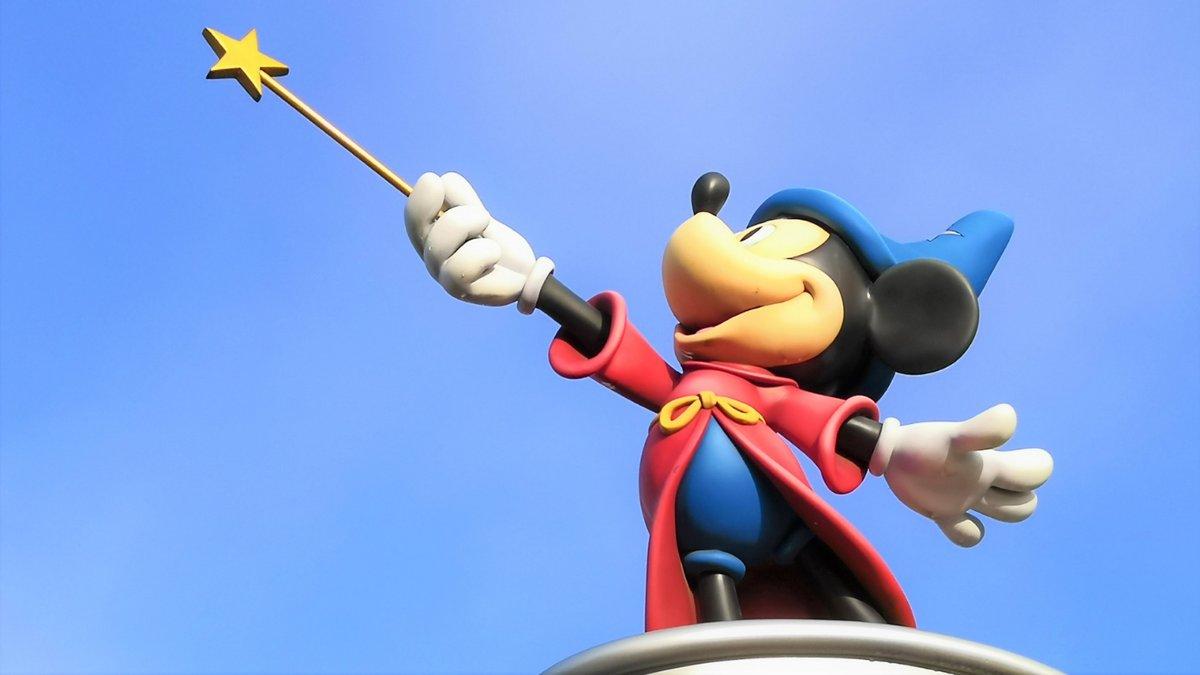 Mickey-Disneyland-Paris.jpg