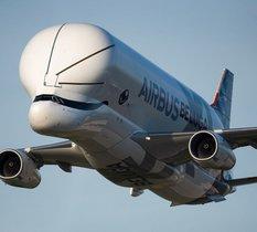Le Beluga XL, le plus gros avion-cargo d'Airbus, est sur les rails