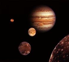 C'est confirmé : il y a bien de la vapeur d'eau à la surface d'Europe, une lune de Jupiter