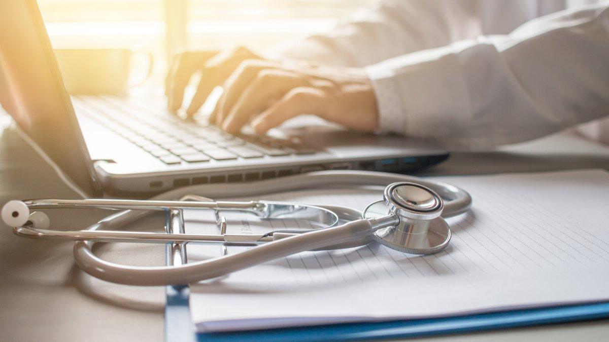 Médecin cyber