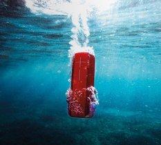 Enceinte waterproof : emportez du son avec vous cet été !