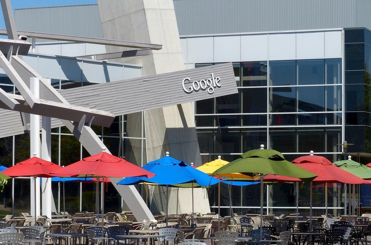 Google HQ © Roman Boed