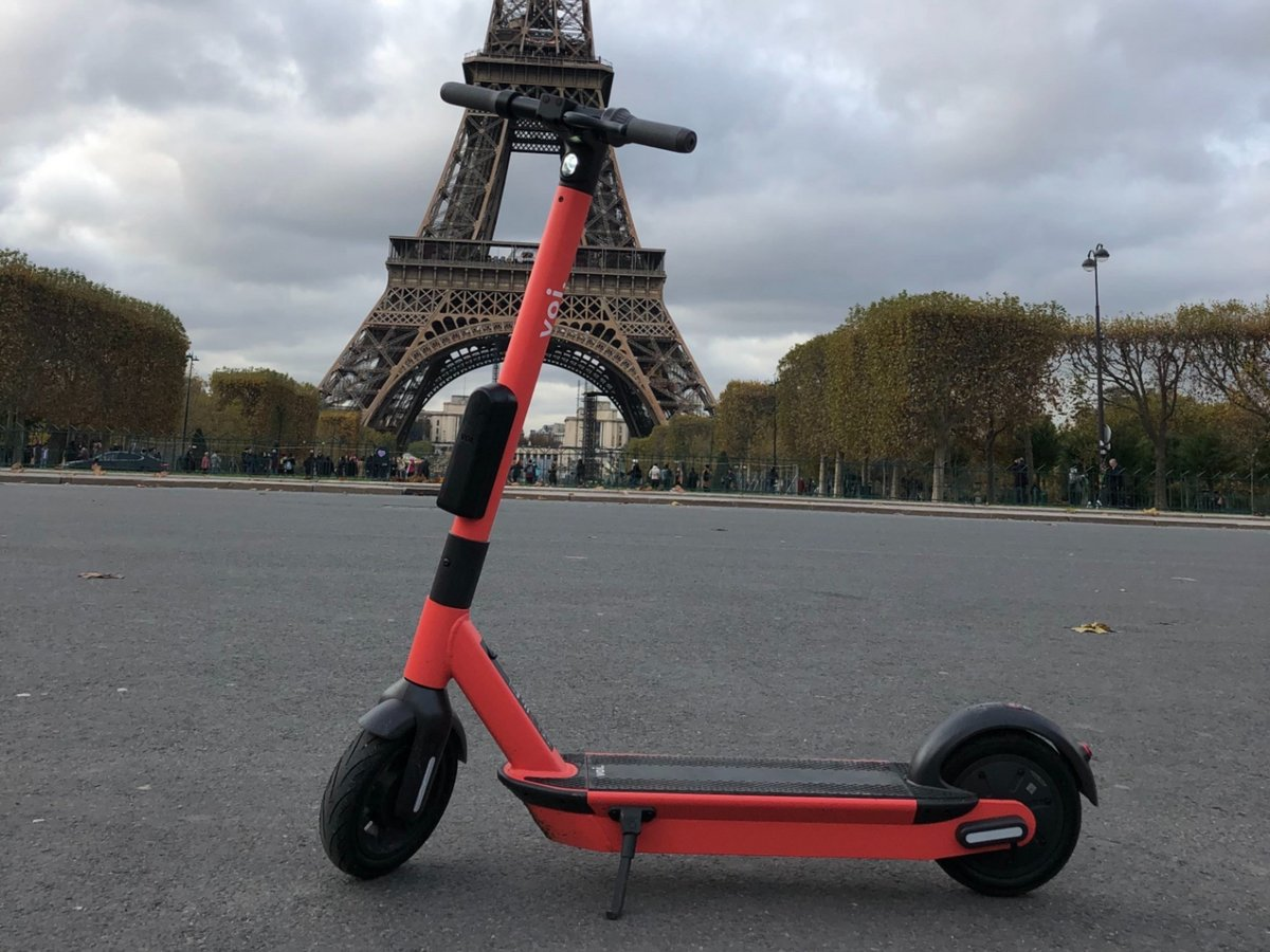 Voi-Tour-Eiffel.JPG