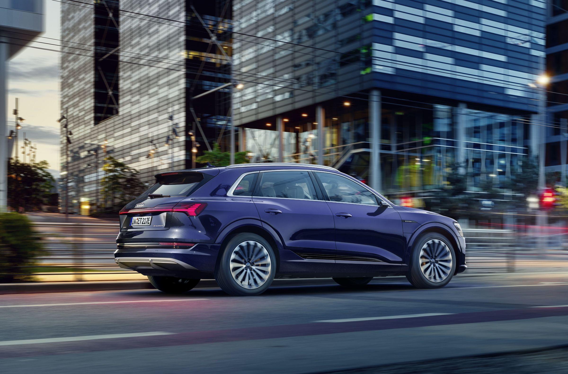 Audi : la production de l'e-tron au ralenti, l'approvisionnement de batteries en cause