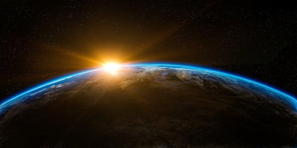 Soleil Terre Espace ©Pixabay