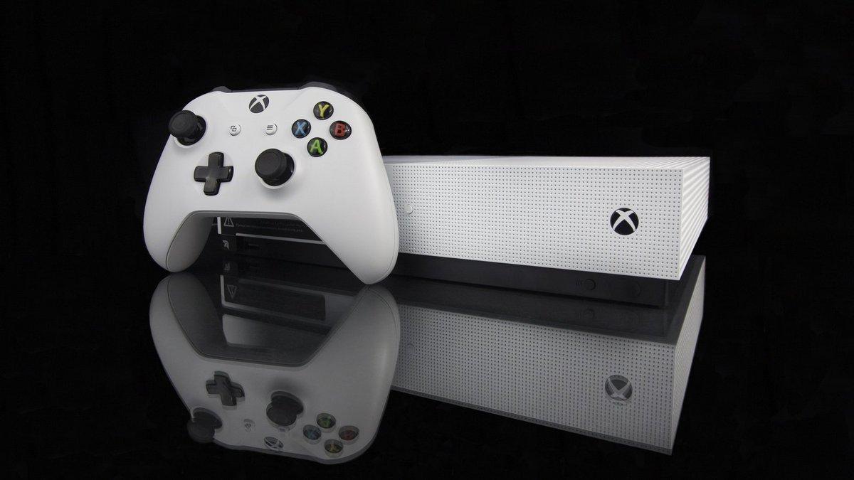 Xbox One S 1 To Minecraft_cropped_0x0