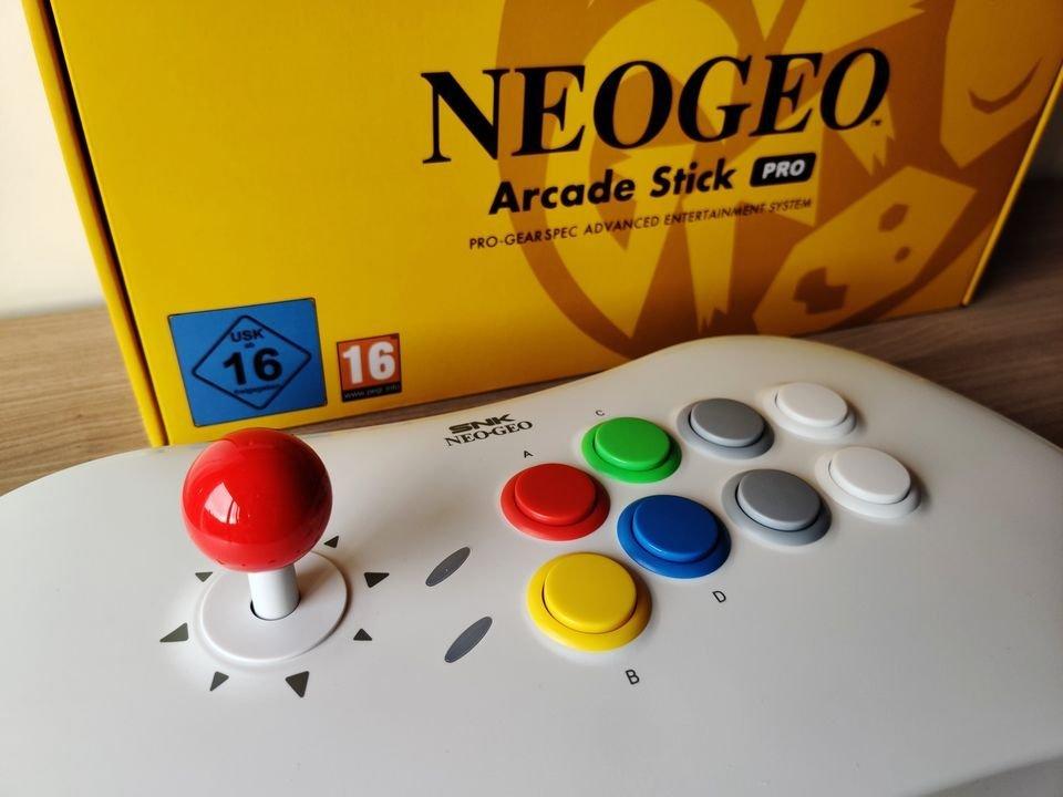 Neo Geo Arcade Stick_cropped_0x0_cropped_0x0