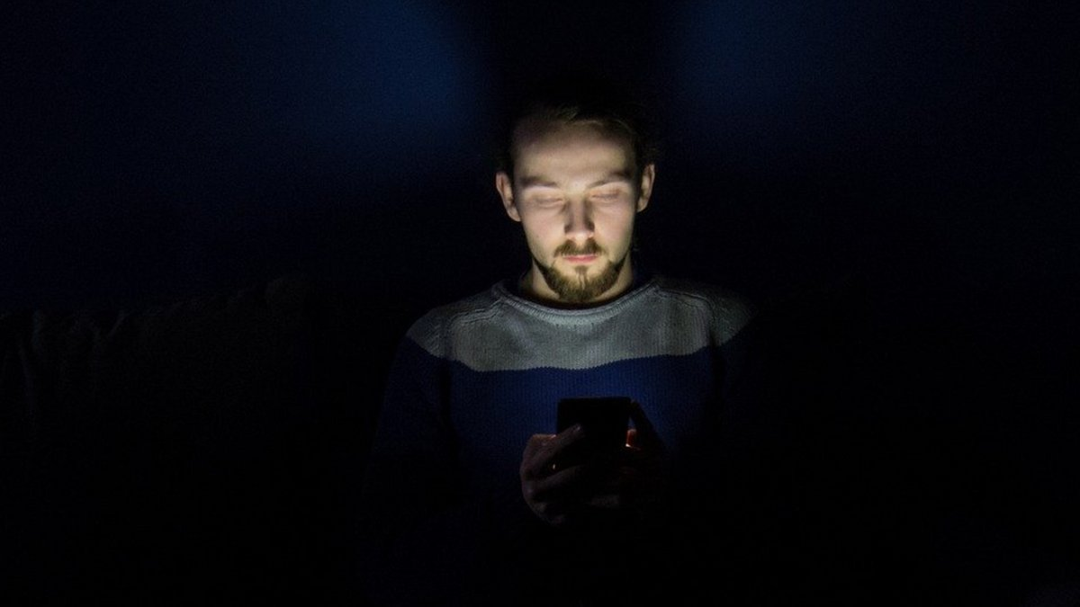 smartphone-soir-nuit-lumière.jpg