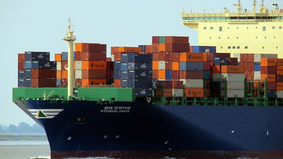 conteneur-navire-transport-maritime.jpg