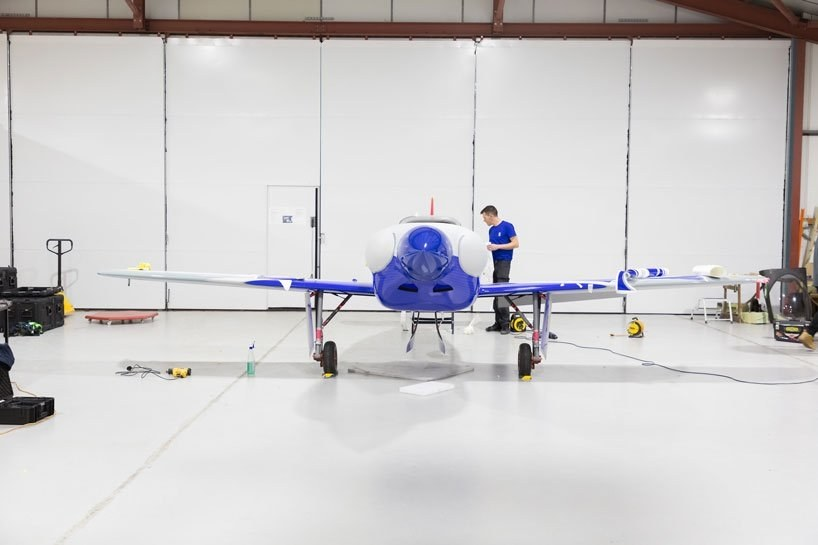 rools-royce-avion2.jpg