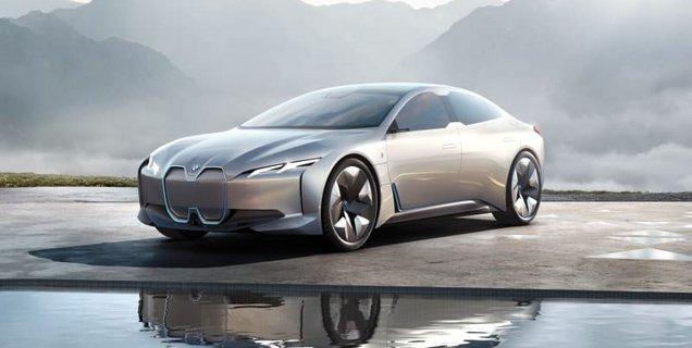 BMW espère faire de sa fastback électrique BMW i6 une concurrente de la Porsche Taycan