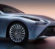 Toyota Mirai 2 : nos premières impressions de la nouvelle génération de voiture à hydrogène