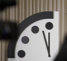Guerre de l'info, course aux armements : l'horloge de l'apocalypse avancée à 100 secondes