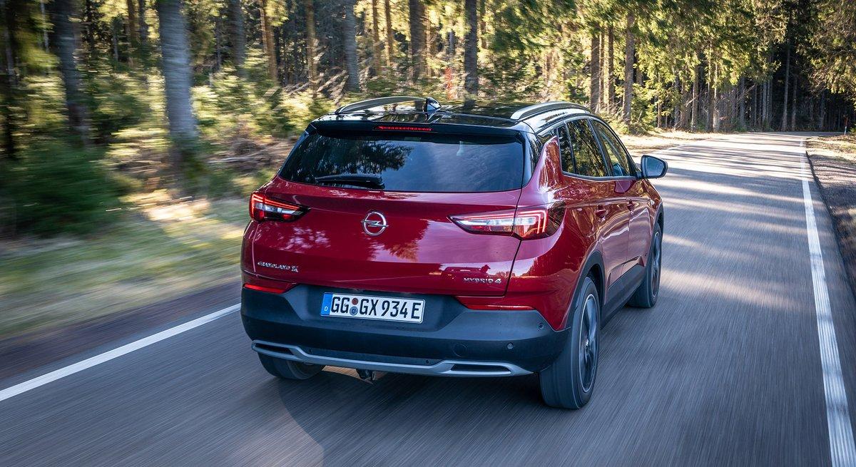 Opel Grandland X Hybrid4 © Opel